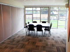 05a-meeting-room1.jpg